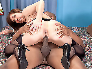 brunette big ass 4porn club